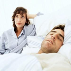 couple-lit-frustre