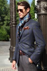 mettre-foulard-homme