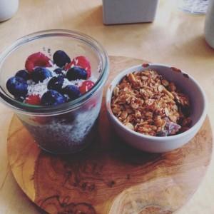 pudding-coco-datte-chia-granola