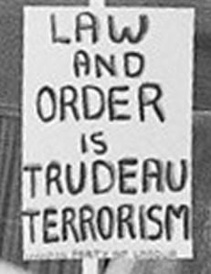Affiche lors d'une manif au Québec lors de la crise d'octobre