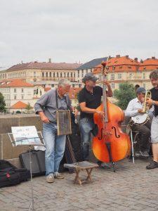 Prague_orchestre-rue