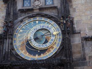 Mais où se situe donc cette horloge ?? Réponse dans le prochain article (ou le suivant)
