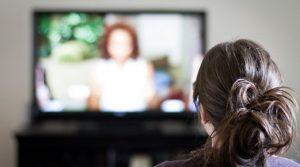 Allumer sa télé pour mettre une chaîne d'info en continu pour comprendre le monde