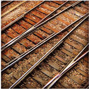 intersections, rails qui se croisent, chemins de fer