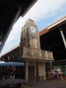 marche_guadeloupe_horloge