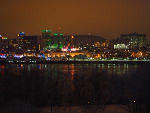 Montréal vue de nuit de la grande roue de la fête des neiges