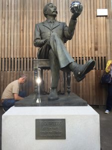 Statue de H.G. Wells