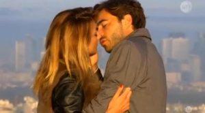 Le bachelor, Diane et Marco s'embrassent à Paris