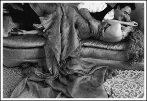Soirée couple sur canapé