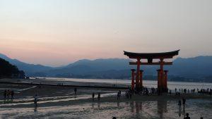 La claque japonaise - Le torii de Miyajima
