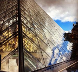 Paris- Pyramide du Louvre
