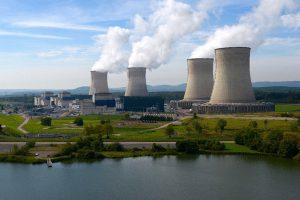 La politique française ne veut pas renoncer au nucléaire