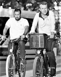 Macron et Benalla font du vélo