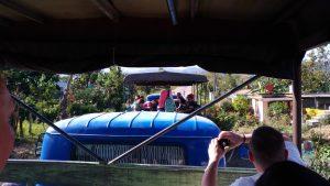 Camion emménagé en bus à Cuba