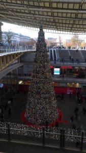 Le sapin de Noël de la Canopée à Paris