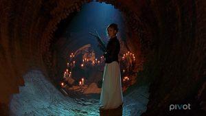 Buffy contre les forces du mal armée d'une arbalète